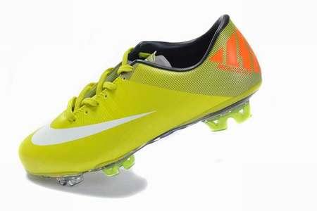 c2882759bbe07 chaussure-de-foot-promotion,habit-de-foot-pas-